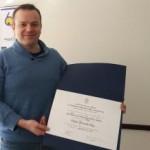 """Imagen Doctor en Lingüística de UdeC recibe el premio """"Doctor Rodolfo Oroz"""" por su tesis doctoral, distinción otorgada por la Academia Chilena de la Lengua."""